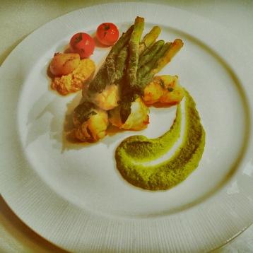 Coda di rospo e asparagi in due consistenze