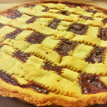 Crostata di kamut con marmellata di fragoline